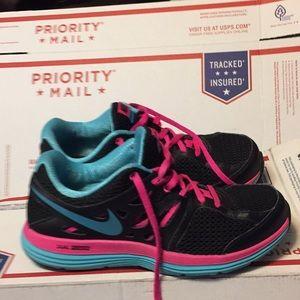 Womens Nike Dual Fusion Lite-Pink/Black SZ-8-5